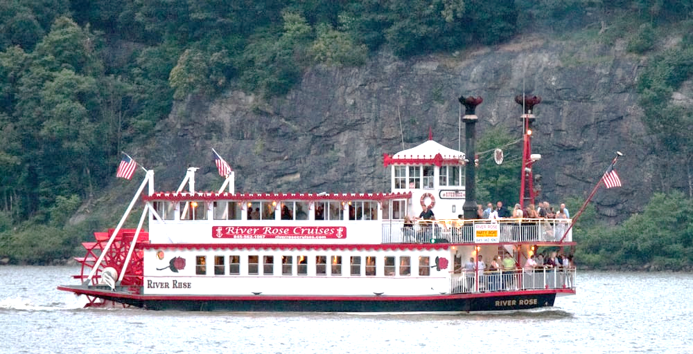 River Rose Cruise ship on the Hudson River