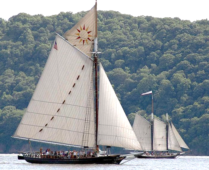 Sail boats on Hudson River