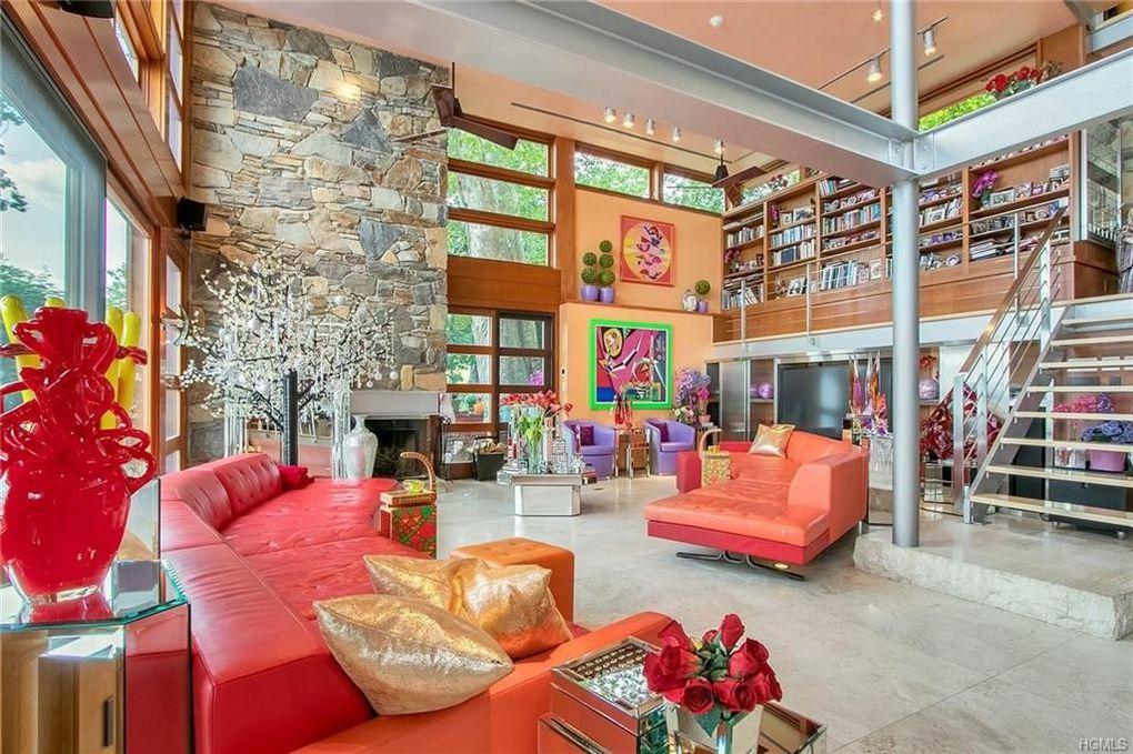 Living room of 503 N Broadway in Nyack