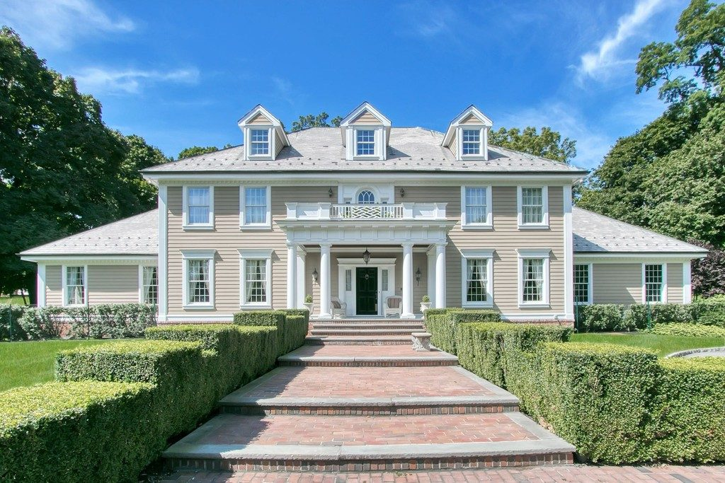 Custom built Georgian Colonial in Upper Nyack is on the market