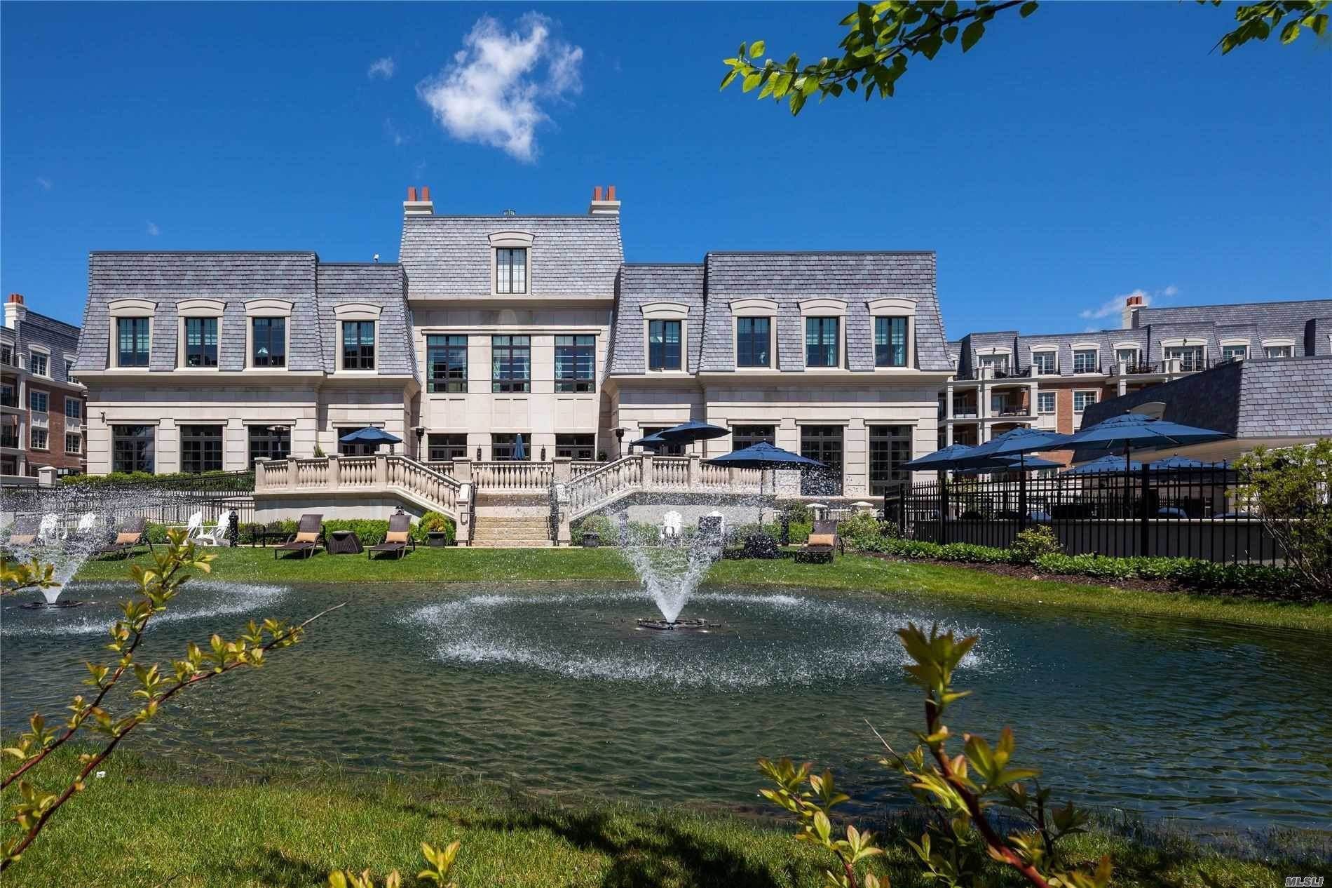 Residential for Sale at 6000 Royal Court # 6003, North Hills, NY 11040 North Hills, New York 11040 United States