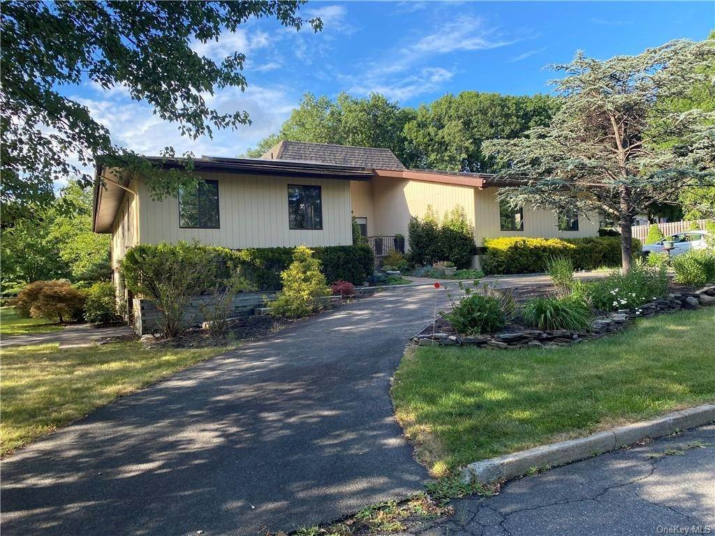 Residential for Sale at 1 Hilburg Court, Clarkstown, NY 10954 Nanuet, New York 10954 United States