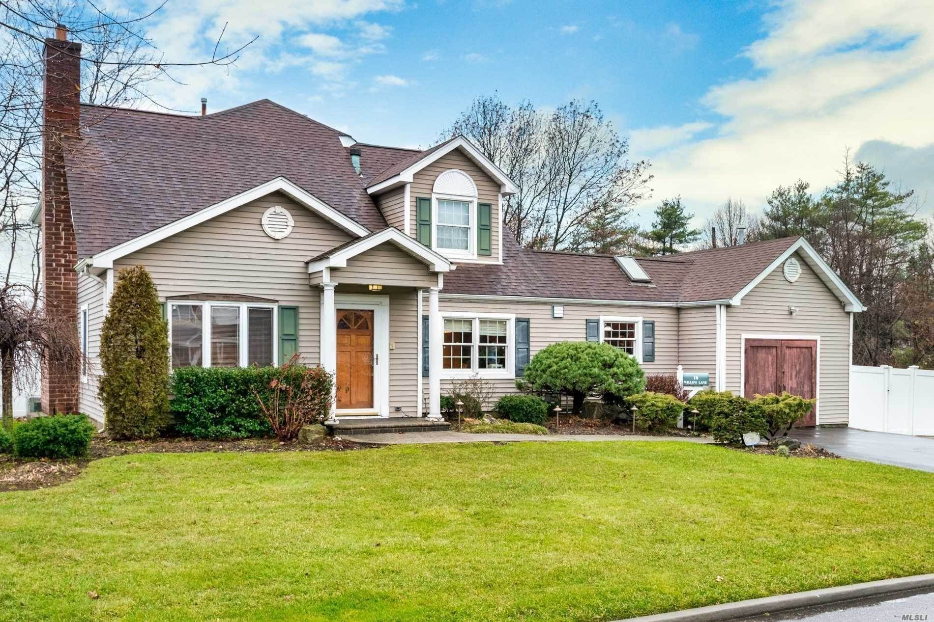 Residential for Sale at 16 Willow Lane, Carle Place, NY 11514 Carle Place, New York 11514 United States