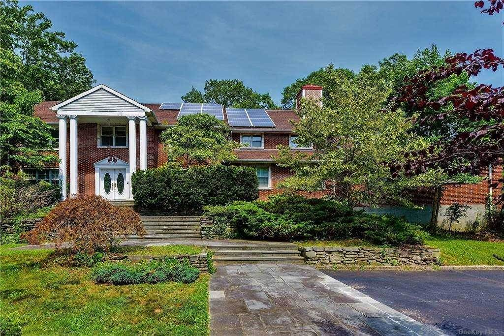 Residential for Sale at 212 Sunset Road, Oyster Bay Cove, NY 11771 Oyster Bay Cove, New York 11771 United States
