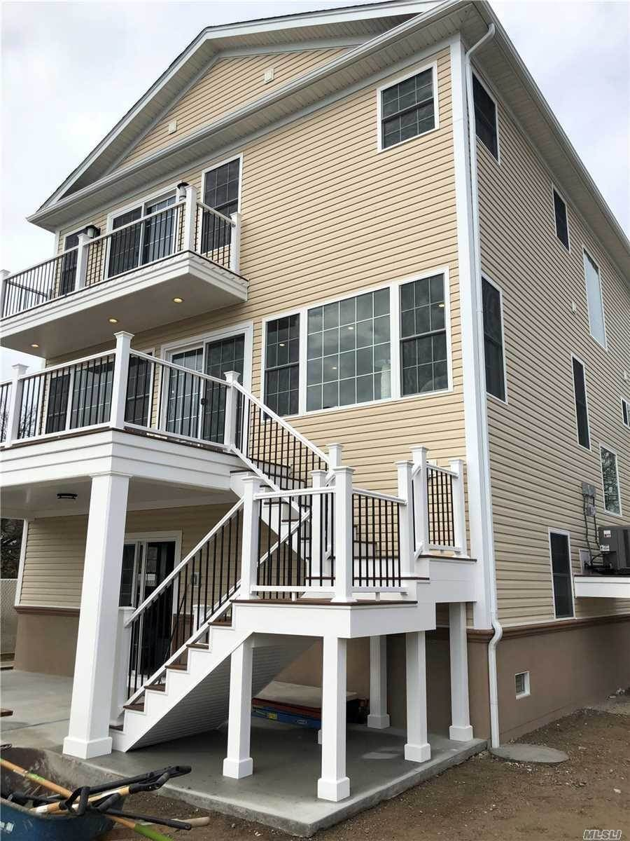 Residential for Sale at 947 Pacific Street Lindenhurst, New York 11757 United States