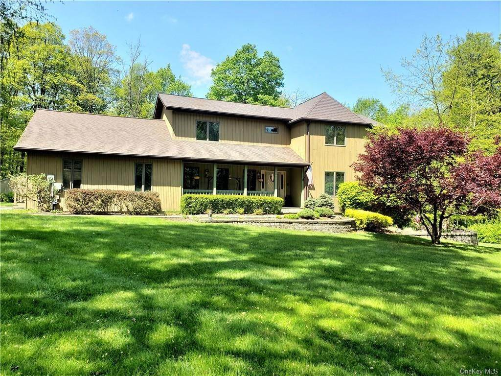 Residential for Sale at 6 Storm Haven Road Cornwall, New York 10930 United States