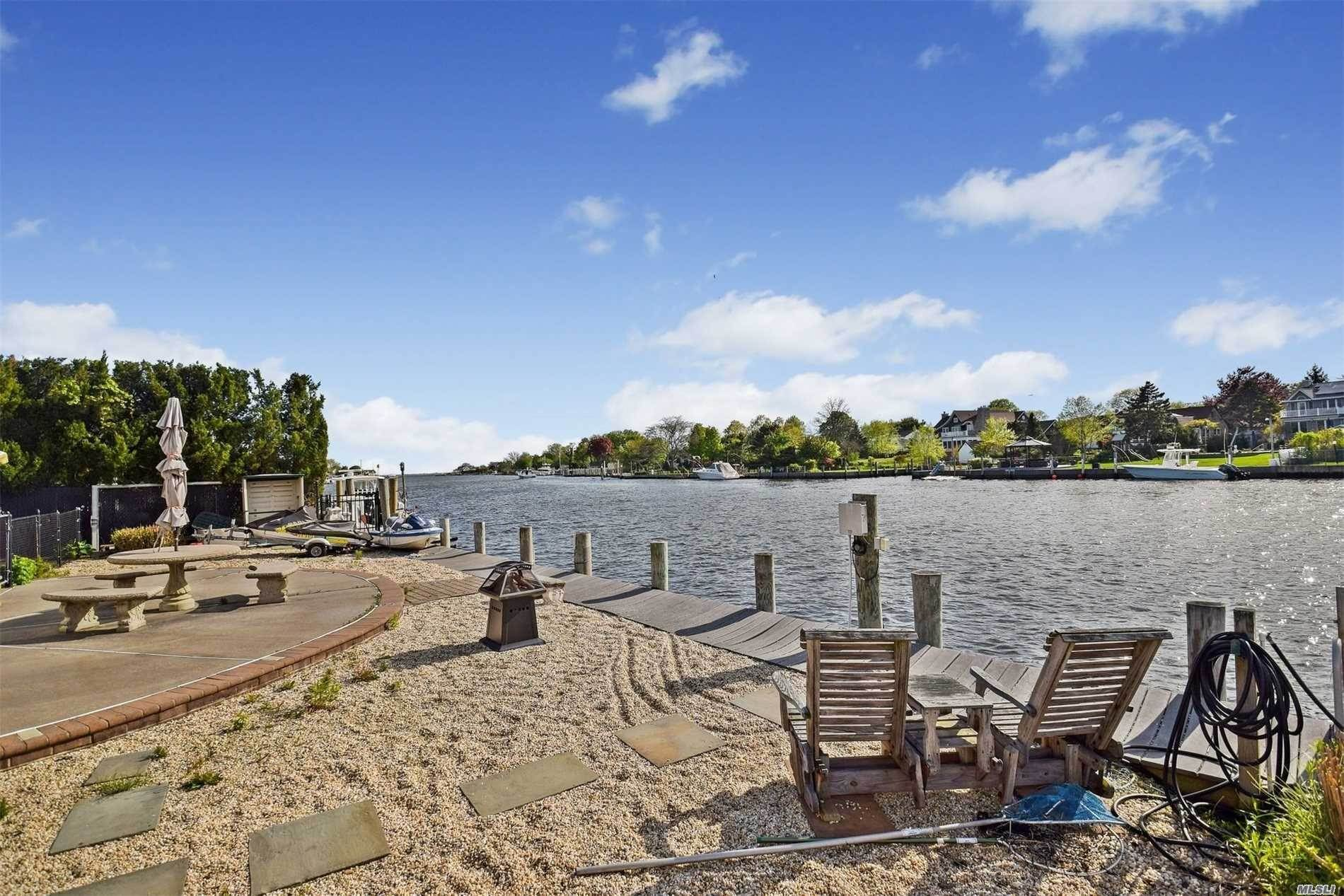 Residential for Sale at 266 Secatogue Lane West Islip, New York 11795 United States