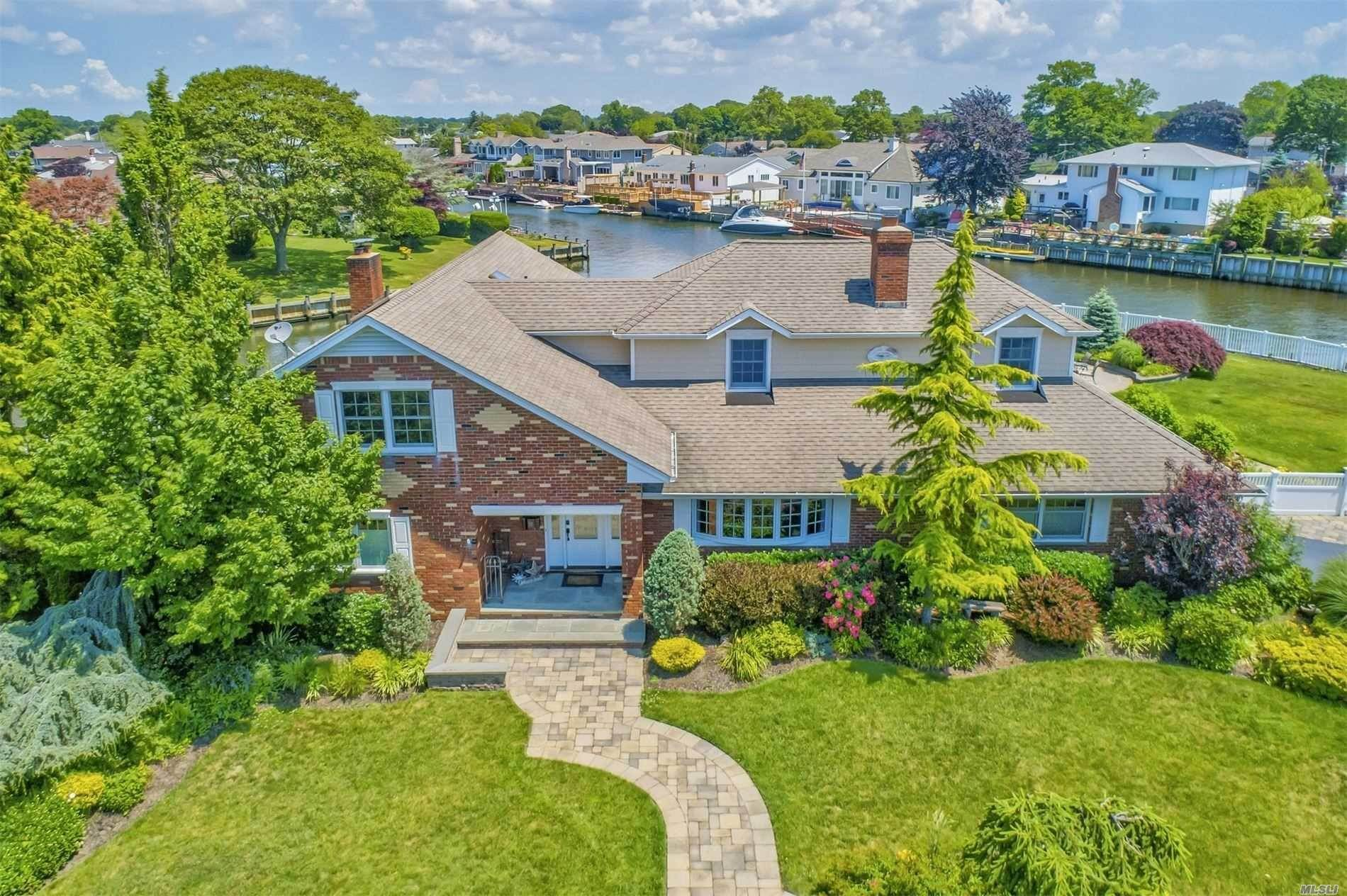 Residential for Sale at 67 Overlea N Street Massapequa Park, New York 11762 United States