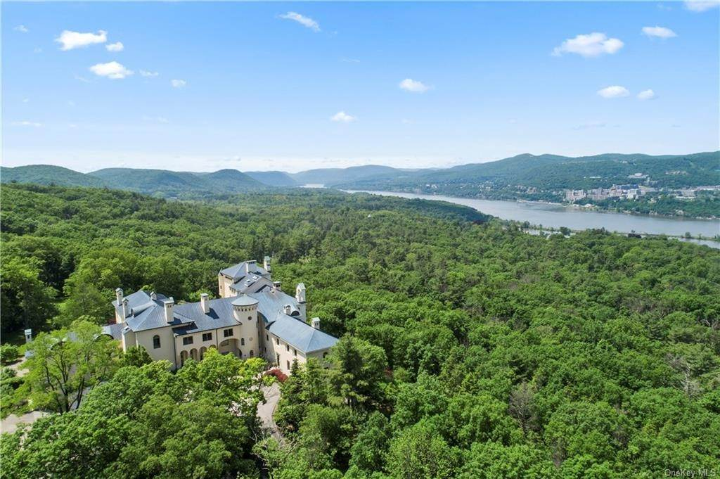 Residential for Sale at 40 Dicks Castle Road Garrison, New York 10524 United States