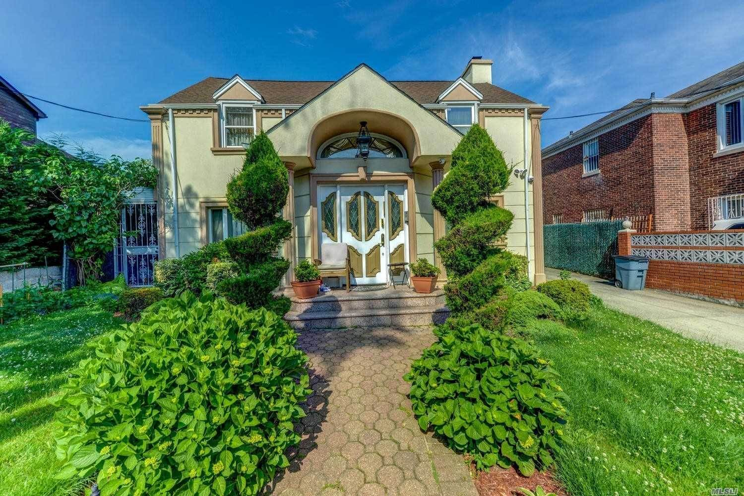 Residential for Sale at 68-65 110 St, Forest Hills, NY 11375 Forest Hills, New York 11375 United States