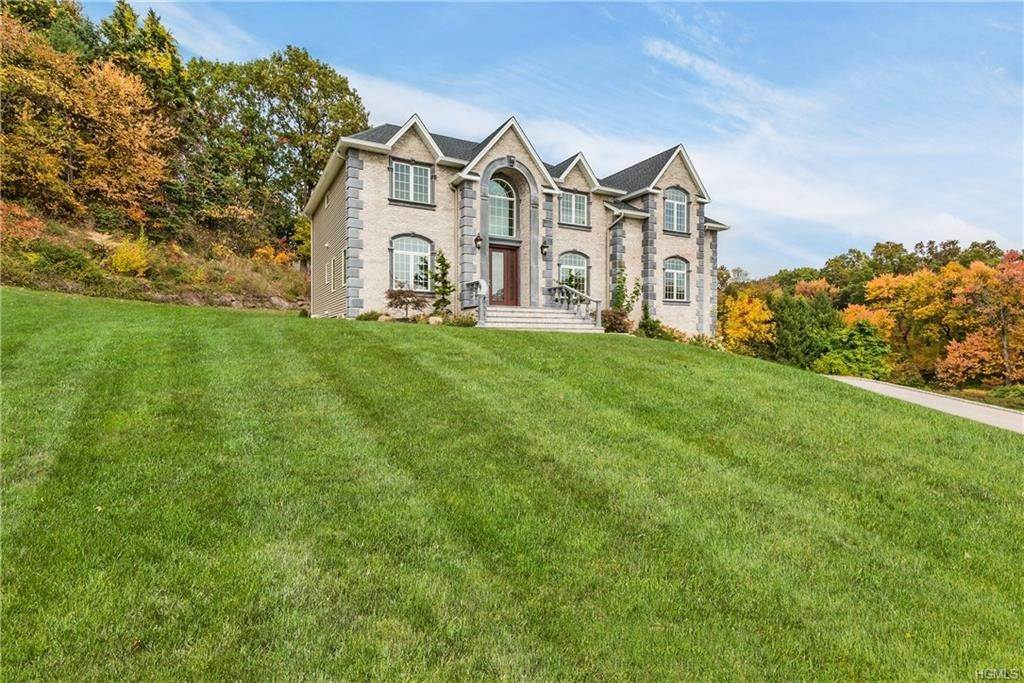 Single Family Homes at 39 Renfrew Road, Clarkstown NY 10956 Clarkstown, New York 10956 United States