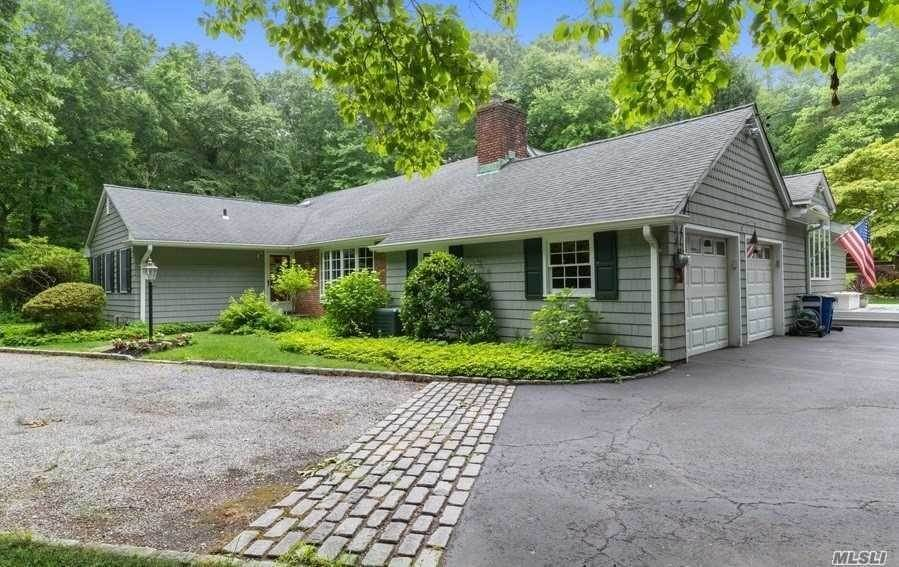 Residential for Sale at 1 Wooded Court, Lloyd Neck, NY 11743 Lloyd Neck, New York 11743 United States