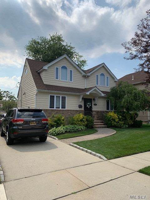 Residential for Sale at 258 Collins Avenue, Williston Park, NY 11596 Williston Park, New York 11596 United States