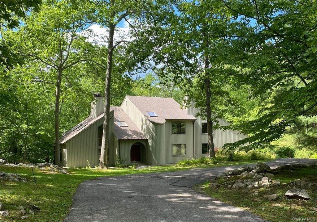 Residential for Sale at 3 Powder Hill Road, Lewisboro, NY 10597 Waccabuc, New York 10597 United States