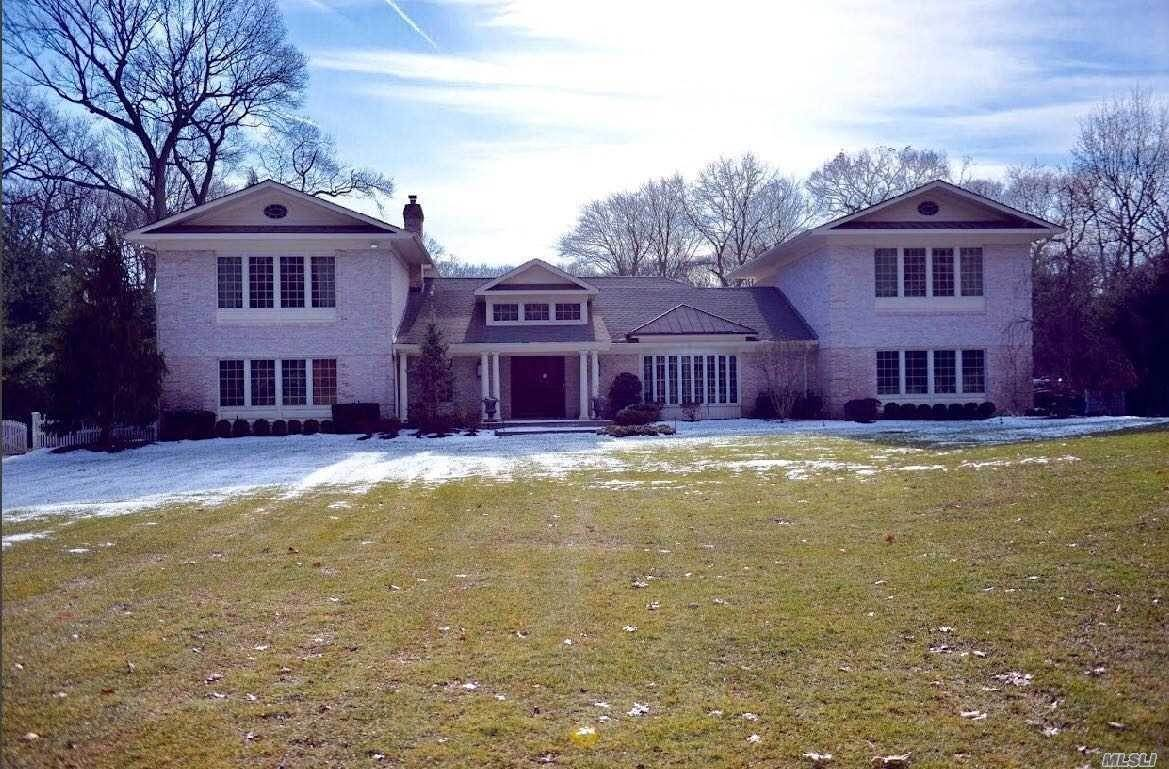Residential for Sale at 6 Valerie Drive Glen Head, New York 11545 United States