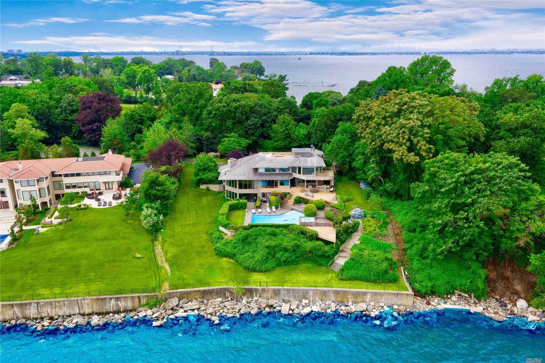Residential for Sale at 15 Gatsby Lane Great Neck, New York 11024 United States