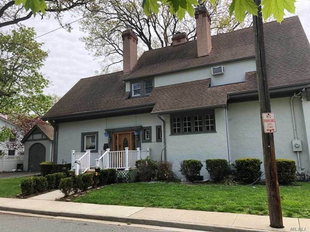 Residential for Sale at 128 Park Street, Woodmere, NY 11598 Woodmere, New York 11598 United States
