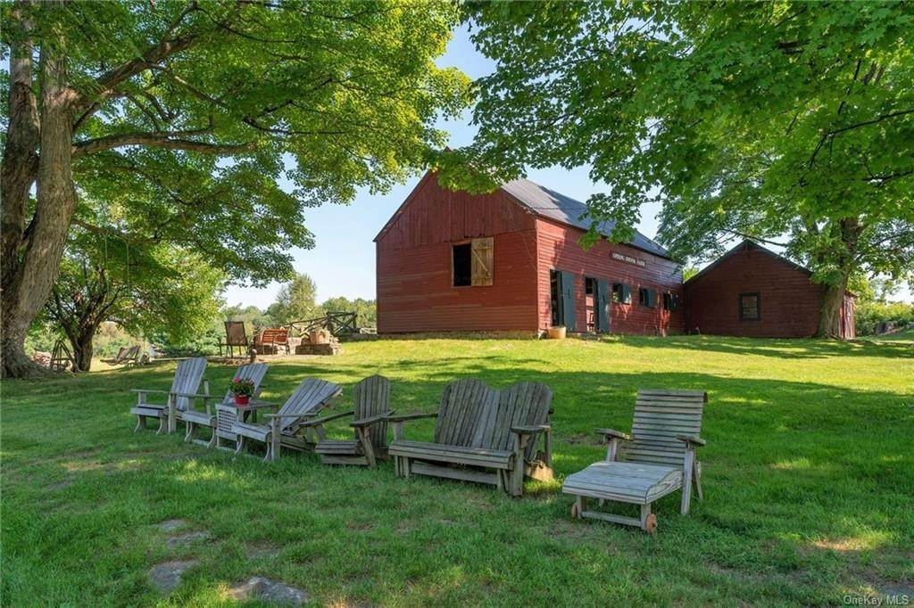 10. Residential for Sale at 162 State Route 94 S Warwick, New York 10990 United States
