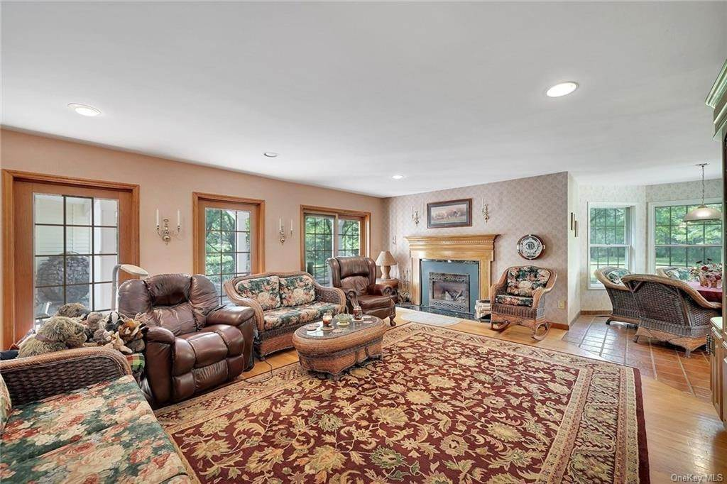 13. Residential for Sale at 3 Lake View Drive, Goshen, NY 10924 Goshen, New York 10924 United States