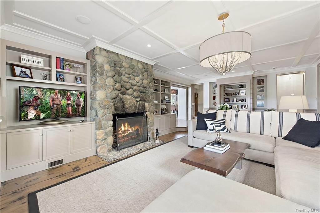 13. Residential for Sale at 69 Round Hill Road Armonk, New York 10504 United States