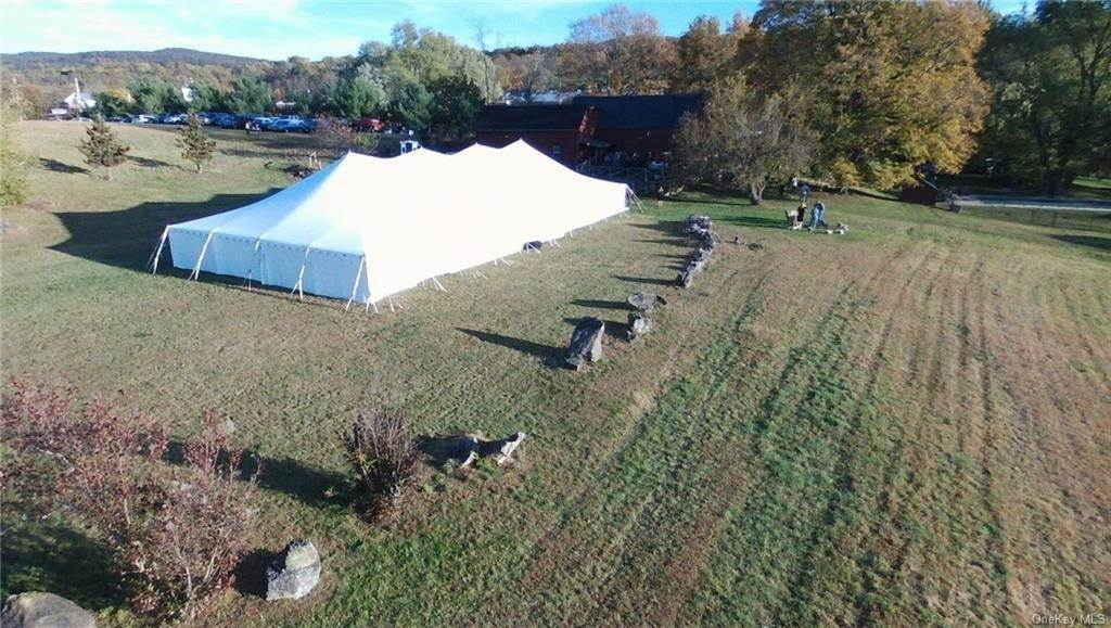 13. Residential for Sale at 162 State Route 94 S Warwick, New York 10990 United States