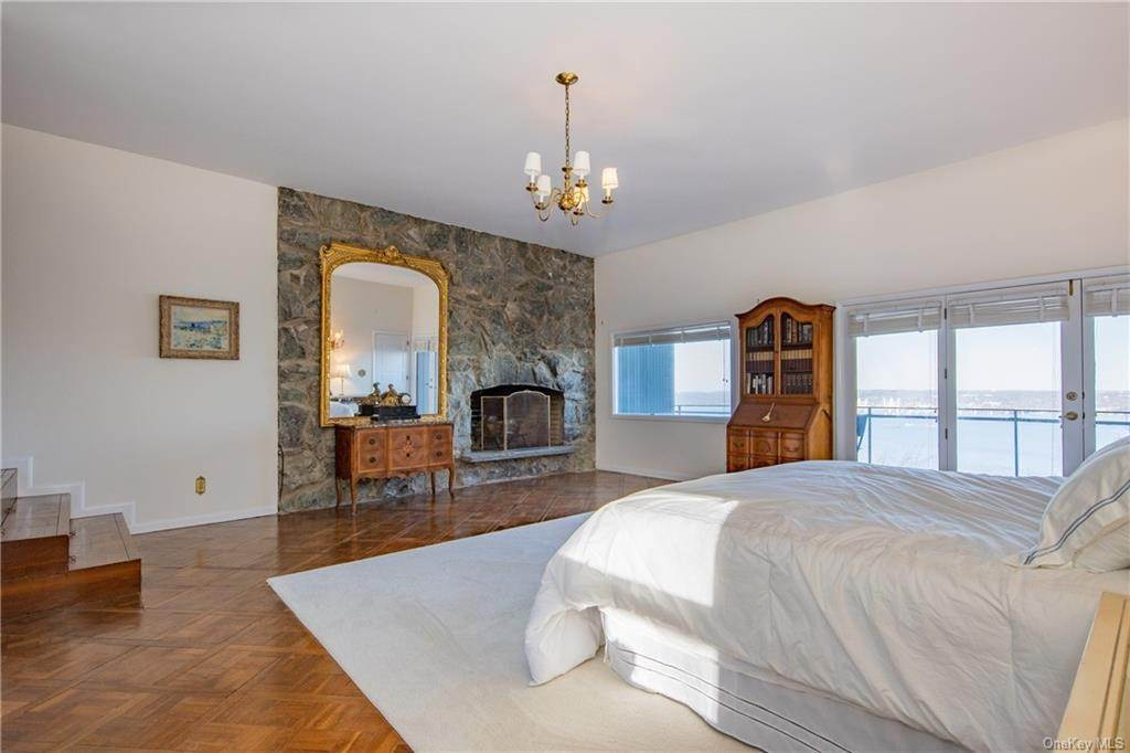 17. Residential for Sale at 220 Tweed Boulevard Nyack, New York 10960 United States