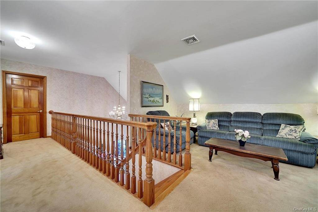 20. Residential for Sale at 3 Lake View Drive, Goshen, NY 10924 Goshen, New York 10924 United States