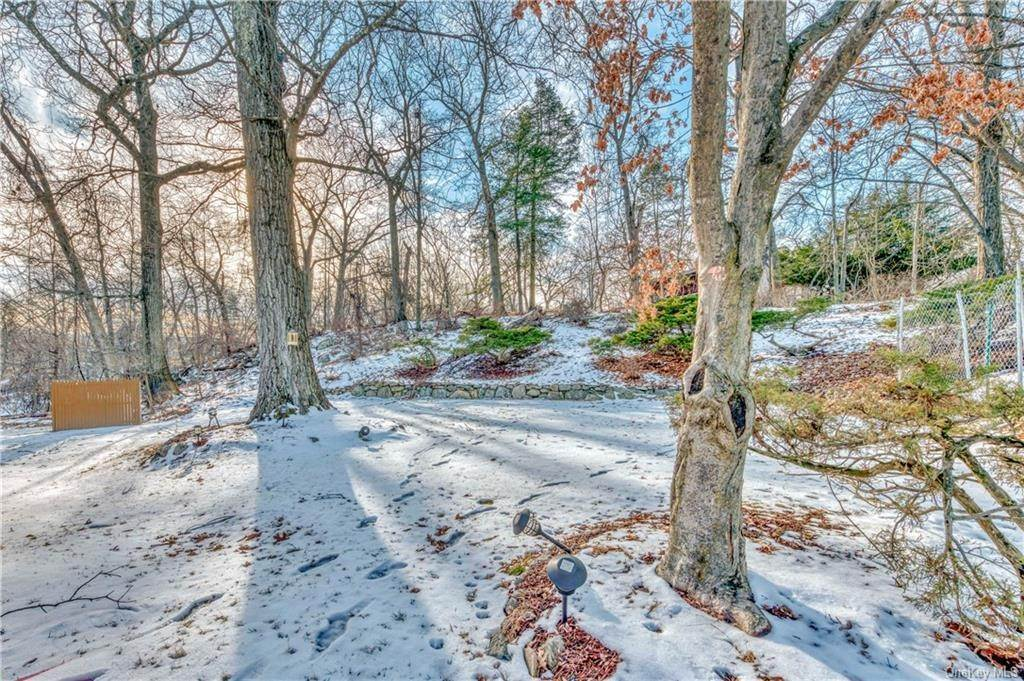 21. Residential for Sale at 74 Lakeview Drive, Stony Point, NY 10986 Tomkins Cove, New York 10986 United States