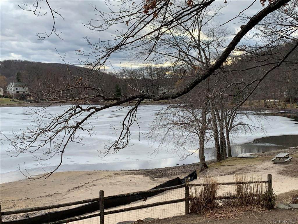 29. Residential for Sale at 74 Lakeview Drive, Stony Point, NY 10986 Tomkins Cove, New York 10986 United States