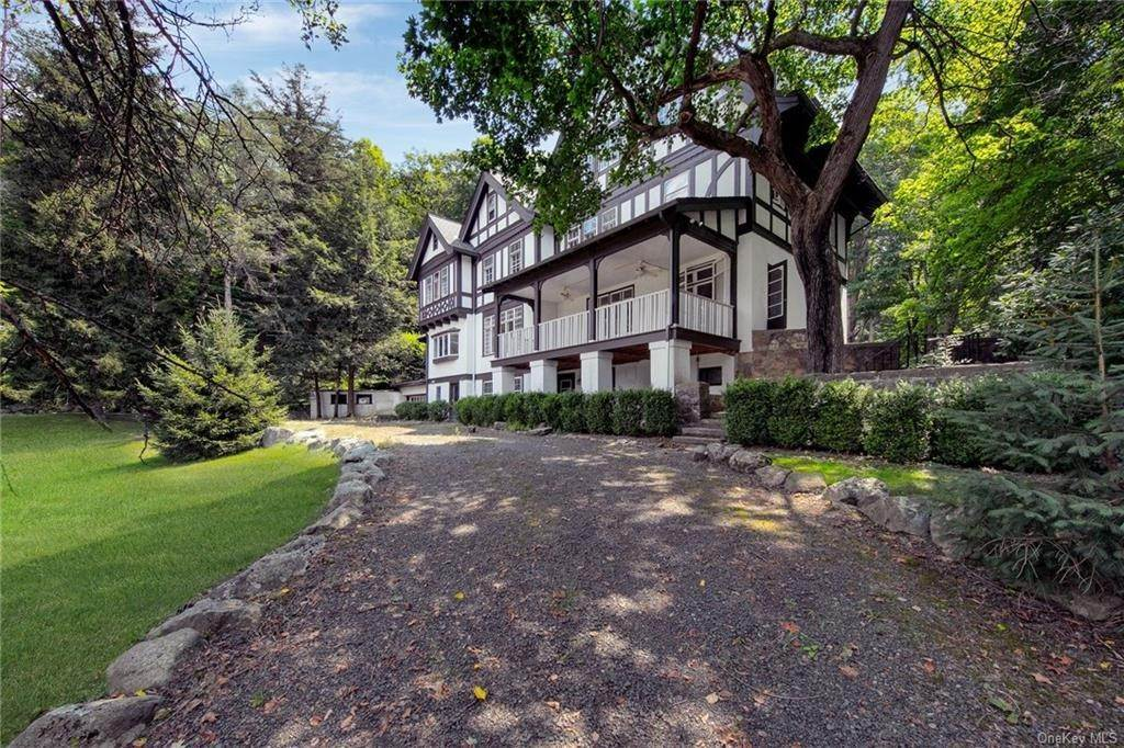 3. Residential for Sale at 130 Continental Road Tuxedo Park, New York 10987 United States