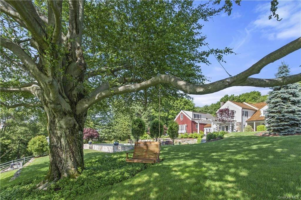 30. Residential for Sale at 69 Round Hill Road Armonk, New York 10504 United States