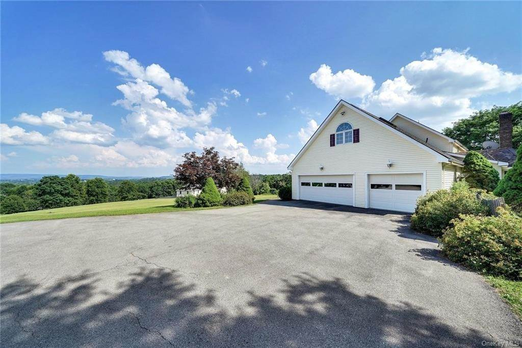 34. Residential for Sale at 3 Lake View Drive, Goshen, NY 10924 Goshen, New York 10924 United States