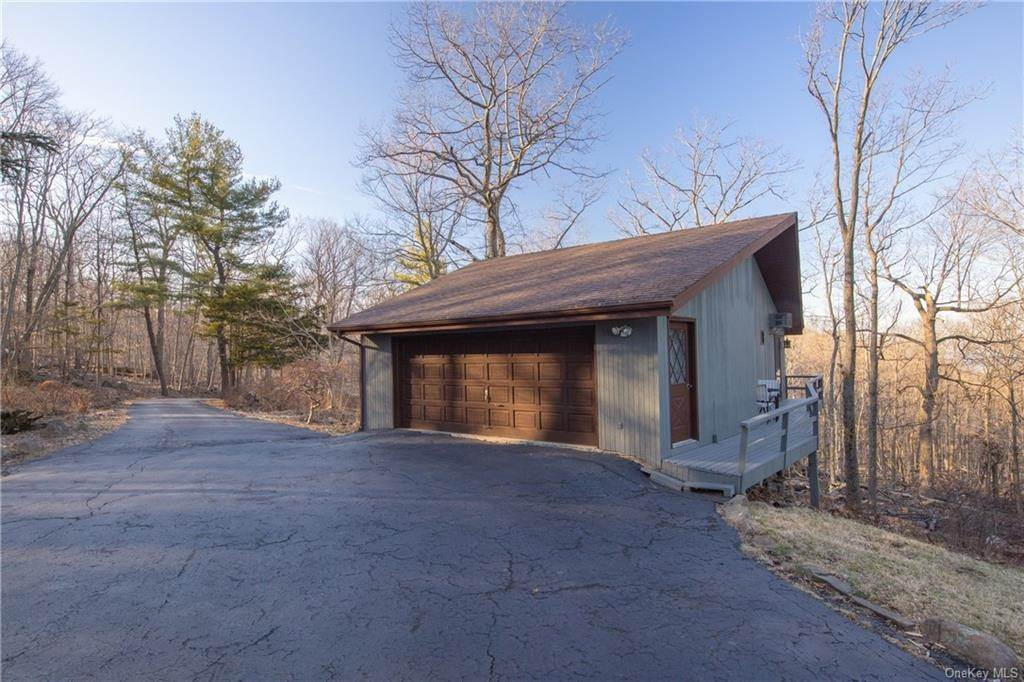 35. Residential for Sale at 220 Tweed Boulevard Nyack, New York 10960 United States