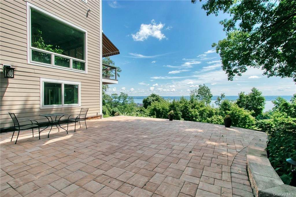 4. Residential for Sale at 20 Terrace Drive, Orangetown, NY 10960 Nyack, New York 10960 United States