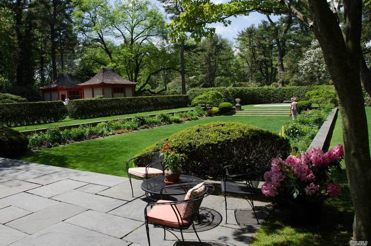 7. Residential for Sale at 75 Post Road Old Westbury, New York 11568 United States