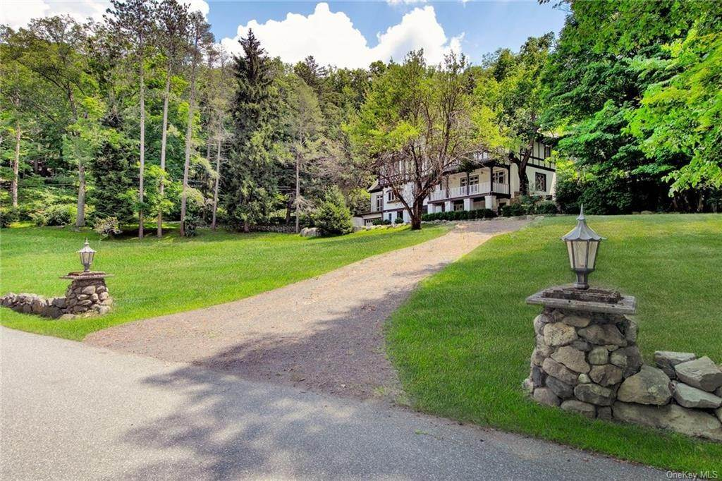 9. Residential for Sale at 130 Continental Road Tuxedo Park, New York 10987 United States