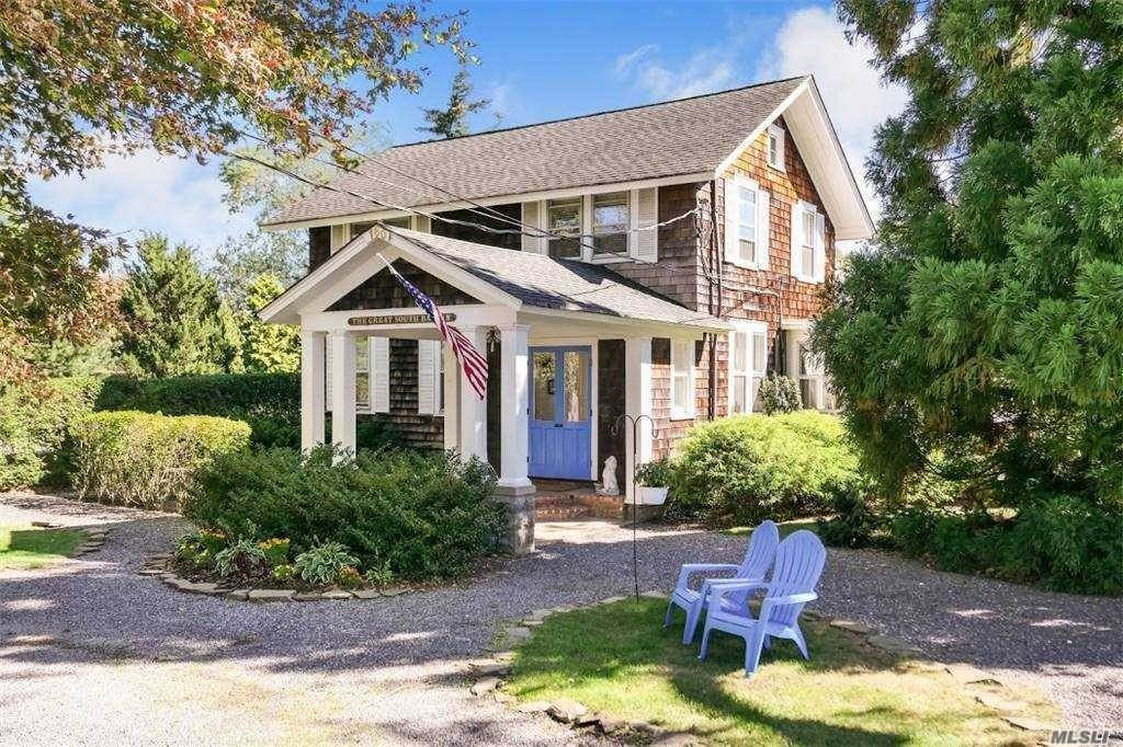 Residential for Sale at 160 S Country Road Bellport, New York 11713 United States