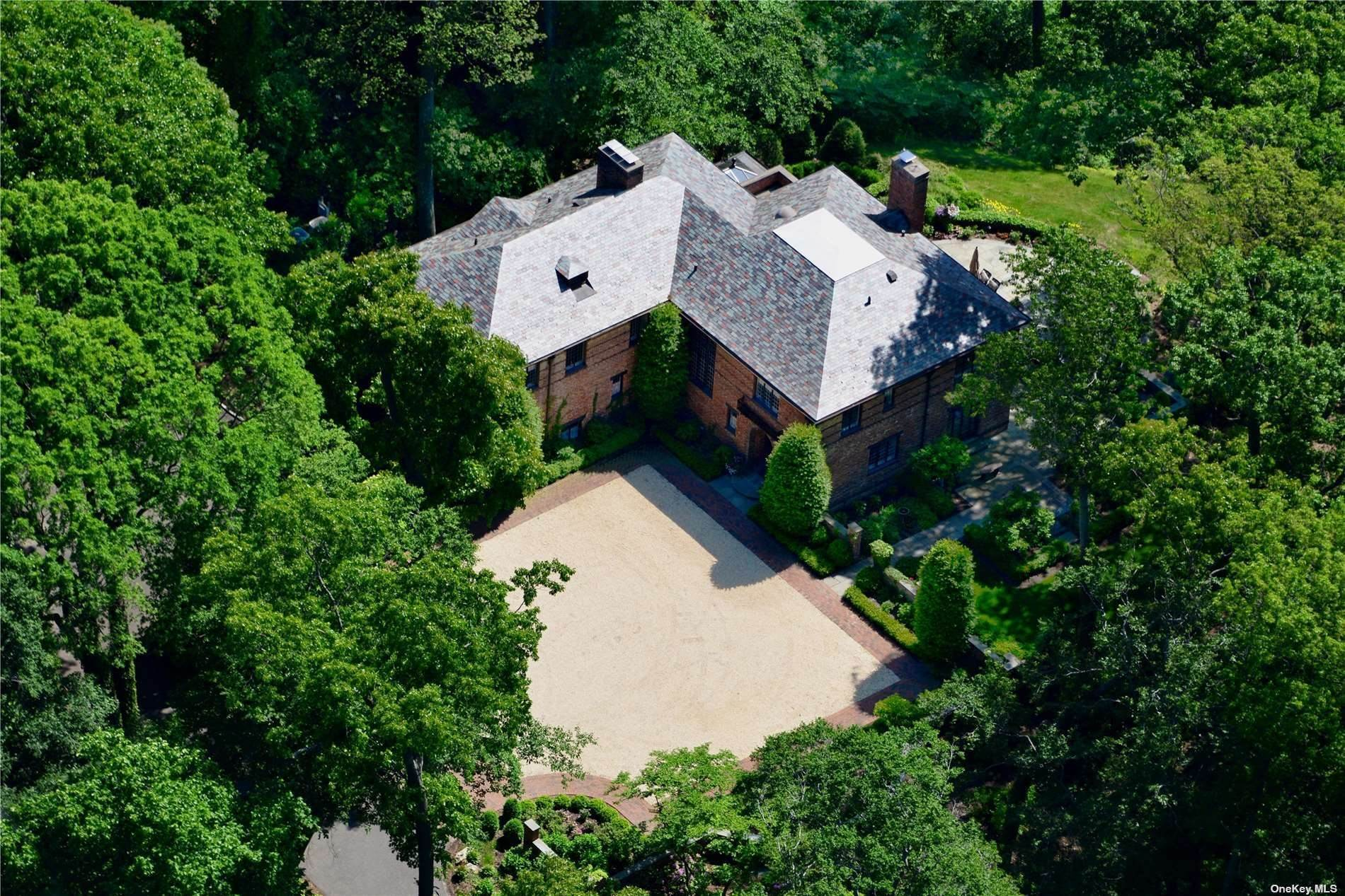 Residential for Sale at 55 Walnut Tree Lane Cold Spring Harbor, New York 11724 United States