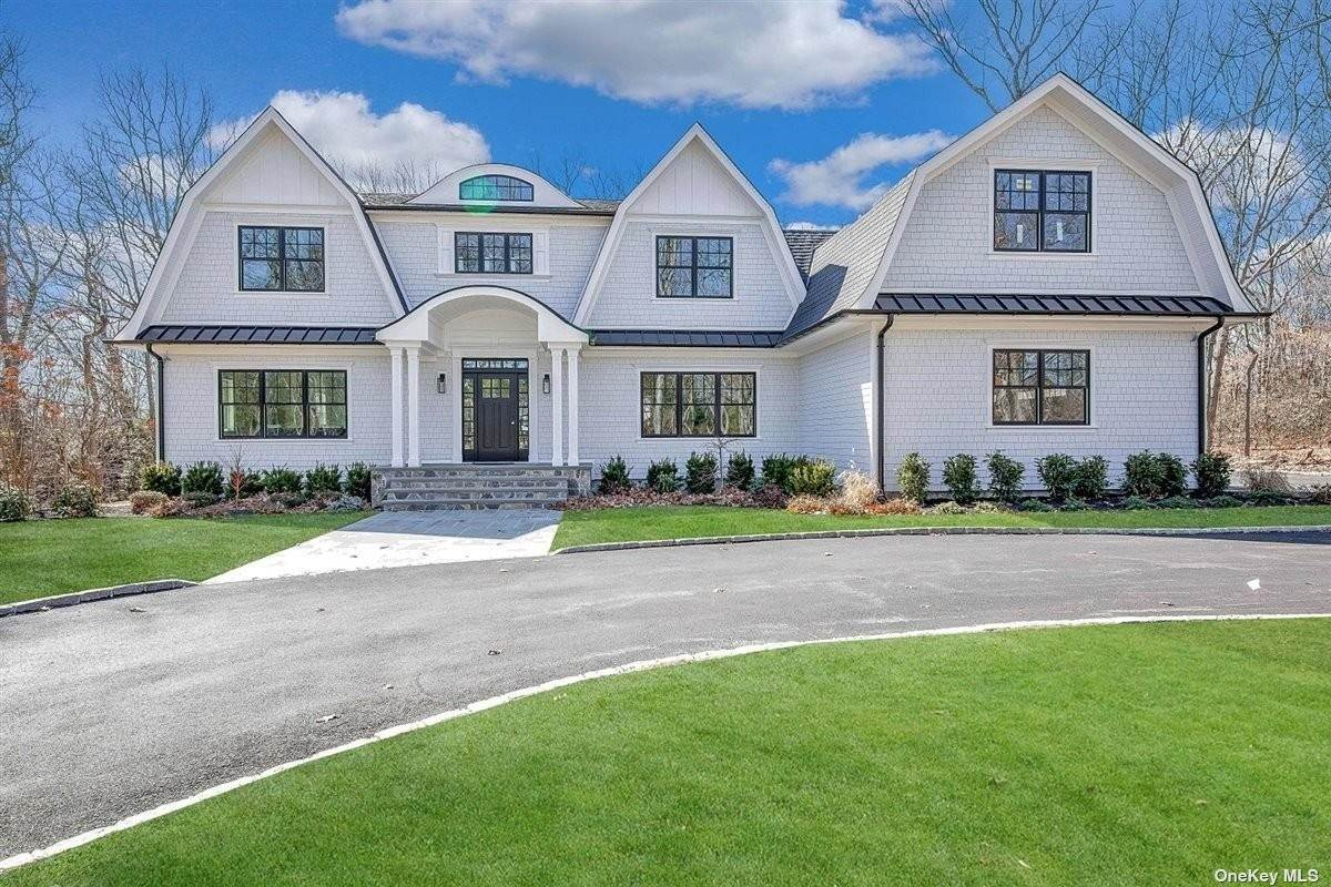 Residential for Sale at 32 Hilltop Drive Laurel Hollow, New York 11791 United States