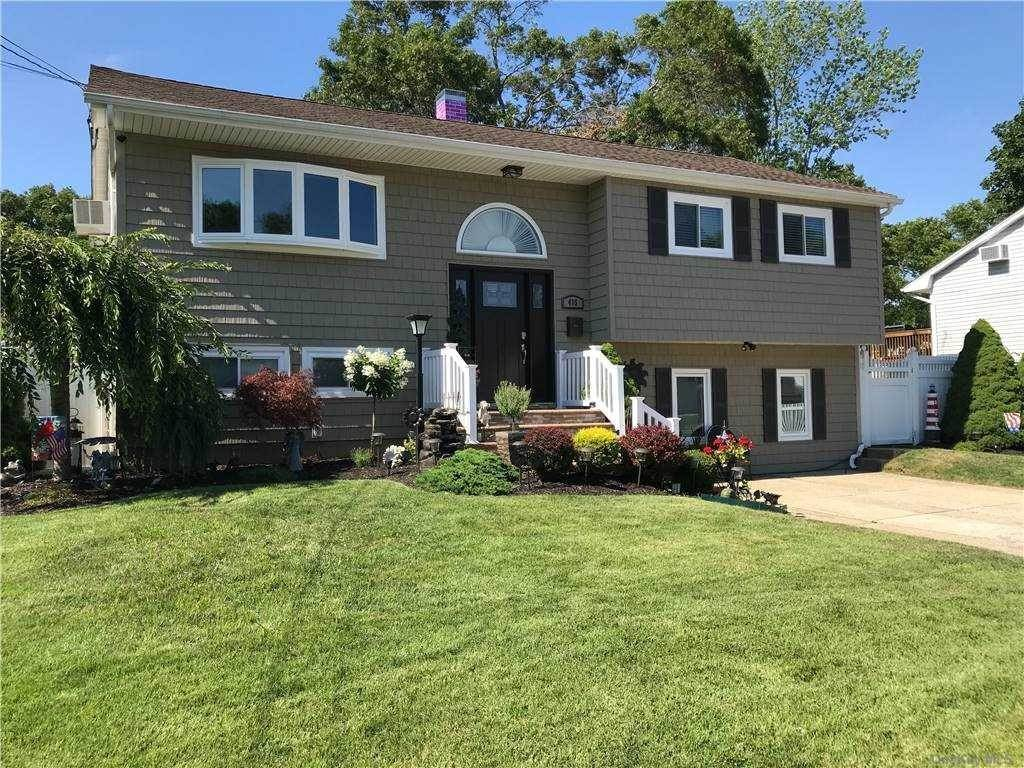 Residential for Sale at 415 Elmwood Street Islip Terrace, New York 11752 United States