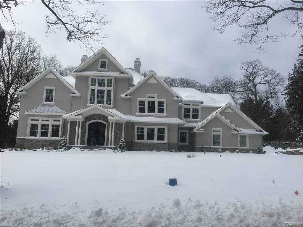 Residential for Sale at 4 Capel Drive Dix Hills, New York 11746 United States
