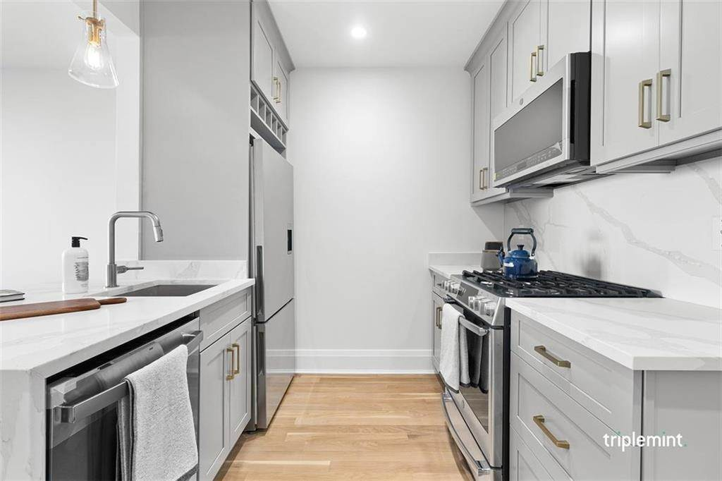 Residential for Sale at 23-43 31st Road # 4-F Queens, New York 11106 United States