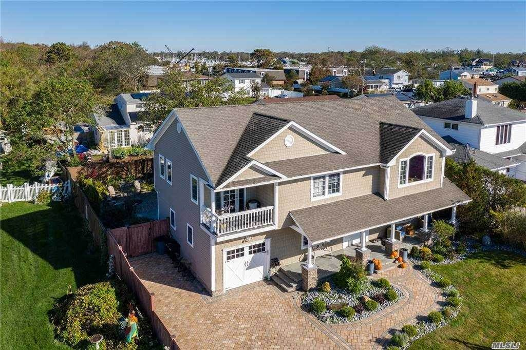Residential for Sale at 29 Sunset Lane, Patchogue, NY 11772 Patchogue, New York 11772 United States