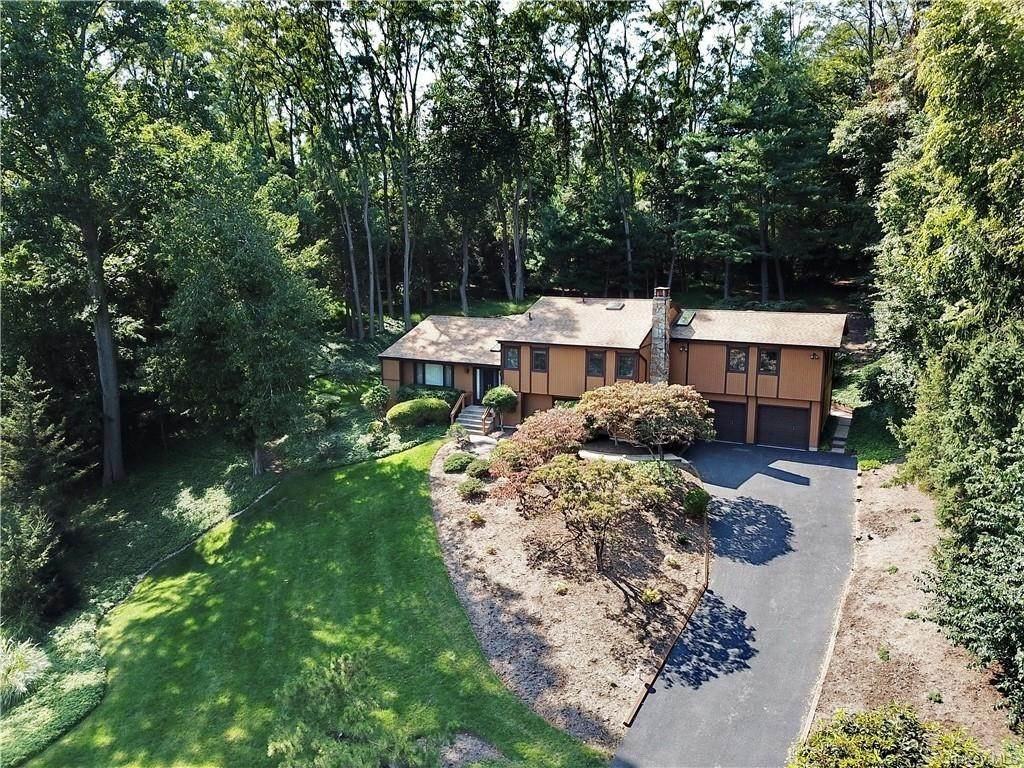 Residential للـ Sale في 5 Sonia Court, Ramapo, NY 10901 Airmont, New York 10901 United States