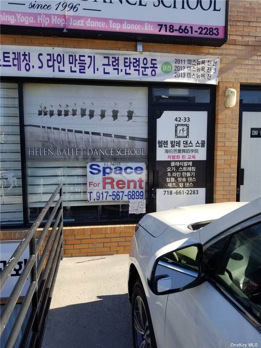 Residential Lease الساعة 42-33 162 Street Flushing, New York 11358 United States