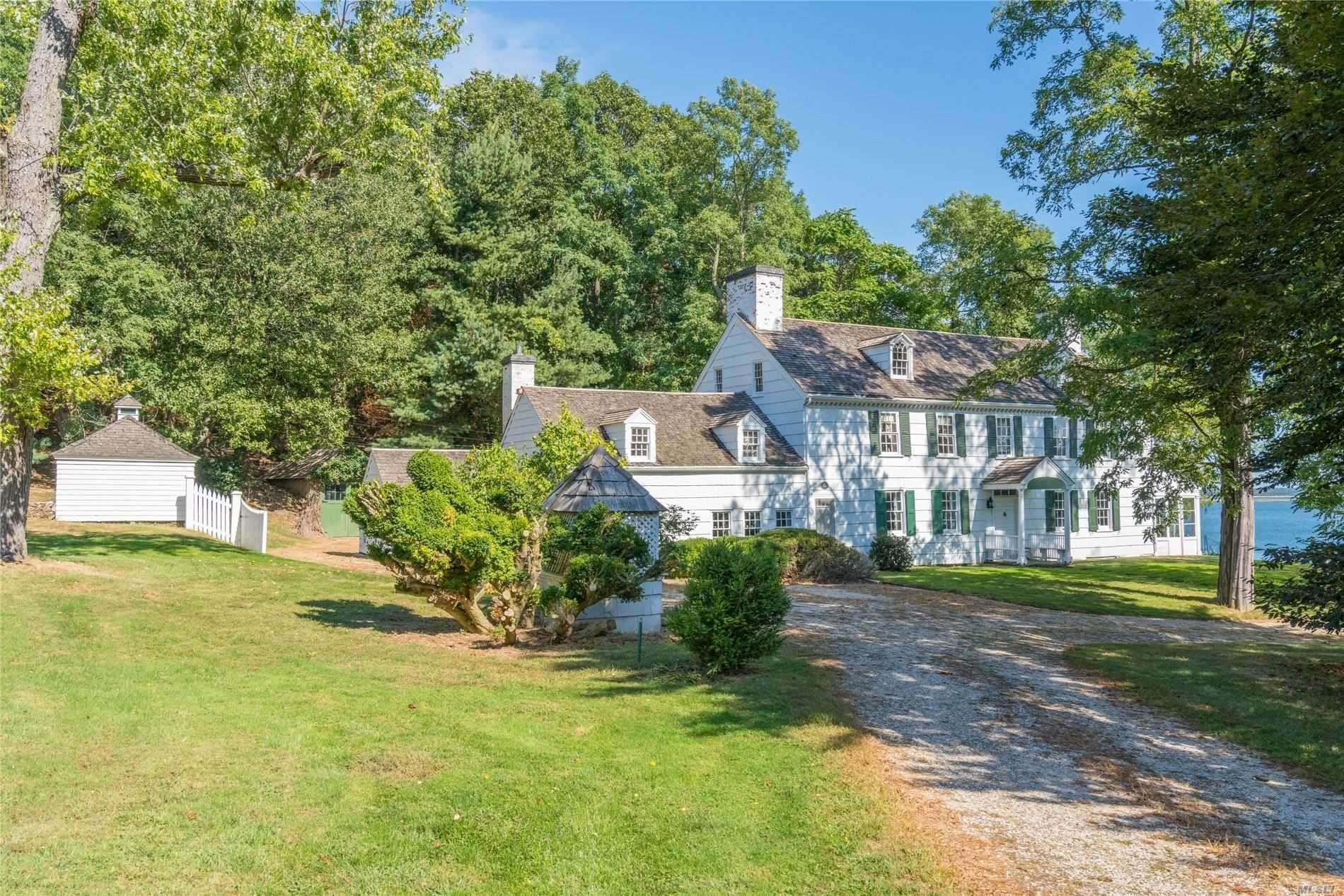 Residential for Sale at 30 Smith Lane Nissequogue, New York 11780 United States