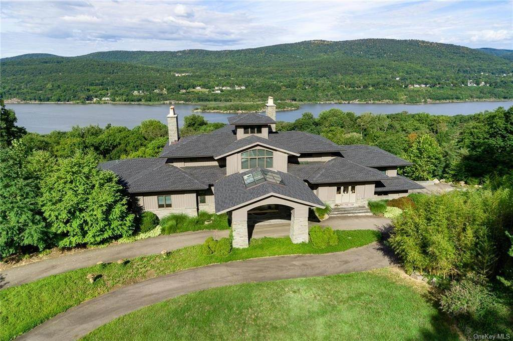 Residential for Sale at 81 Cloudbank Road Garrison, New York 10524 United States