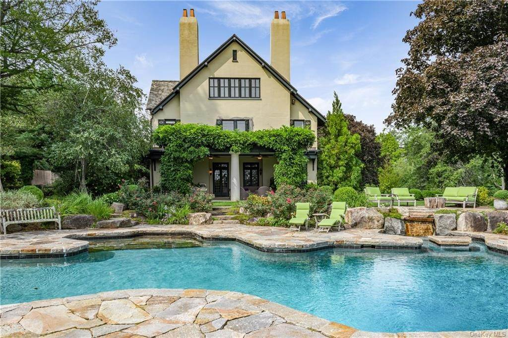 Residential for Sale at 10 Broad Brook Road Bedford Hills, New York 10507 United States