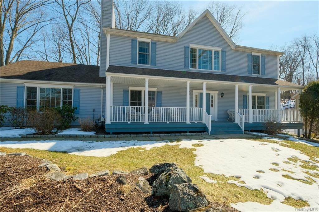 Residential for Sale at 2 Donahue Court Buchanan, New York 10511 United States