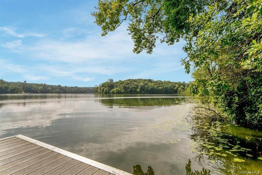 Residential Lease الساعة 22 Leisure Way, Yorktown, NY 10547 Mohegan Lake, New York 10547 United States